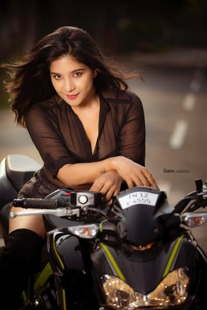 Sakshi Agarwal Photo Gallery